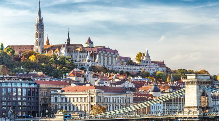 Durva visszaesés a budapesti forgalomban, dupláztak a megyék a lakáspiacon